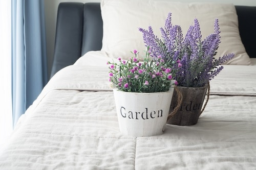 How-to-Quickly-Refresh-Your-Bedding